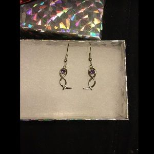 Silver dangle earrings, with purple stone